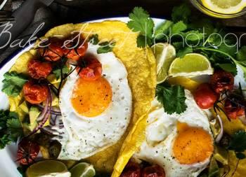 Tortillas de maíz con huevos a la plaza