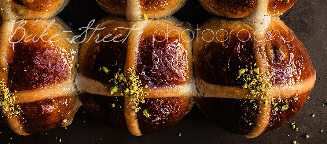 Hot Cross Buns – Panecillos de Pascua {Video receta}