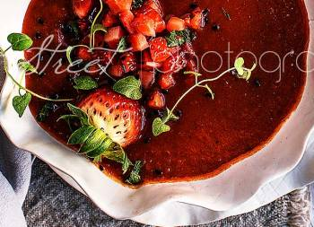 Roasted red pepper and strawberry cream