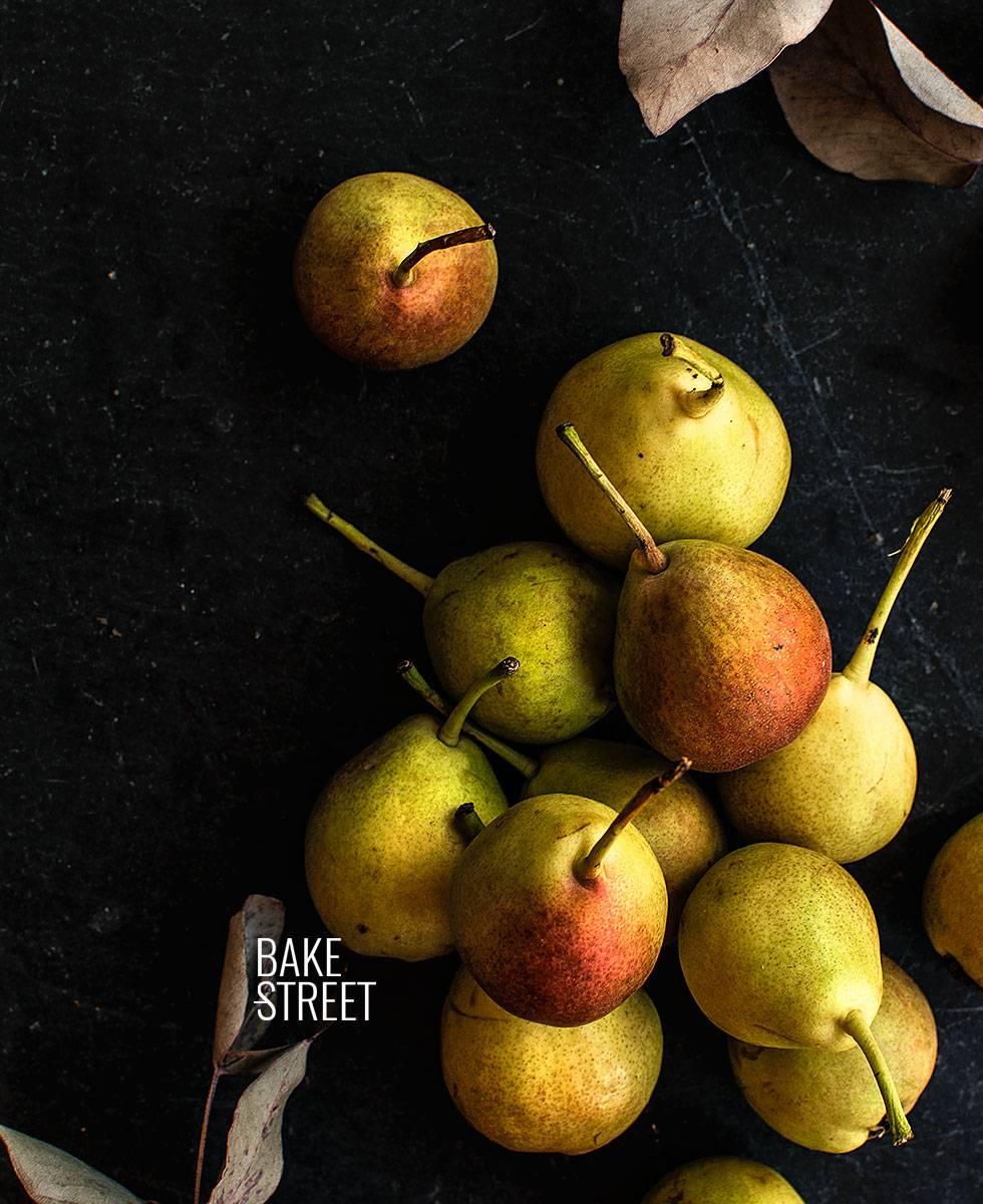 Flan de mascarpone con pera en almíbar