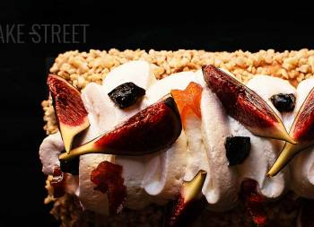 Fig cake with mascarpone cream