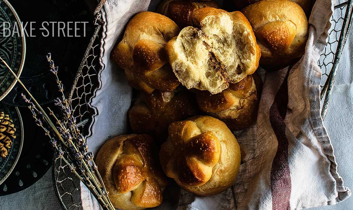 Marañuelas from Avilés, anise and lemon sweet bread