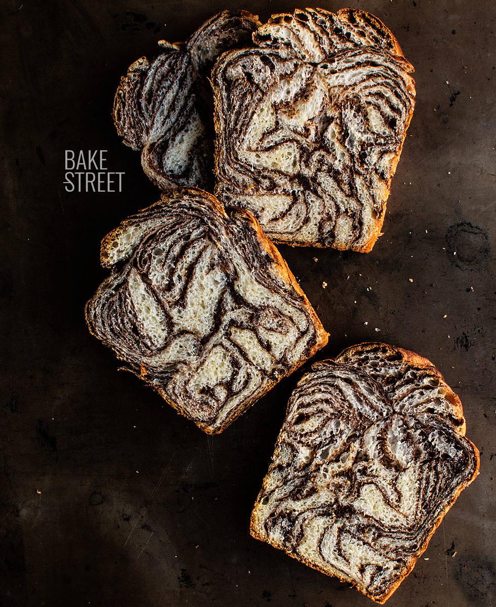 Pan de molde marmolado de chocolate