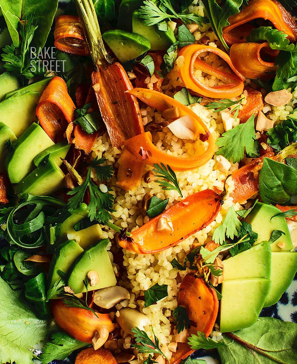Bulgur y zanahorias asadas con salsa chipotle y jengibre