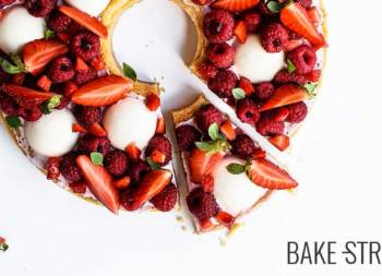 Raspberry, strawberry and almond cream tart