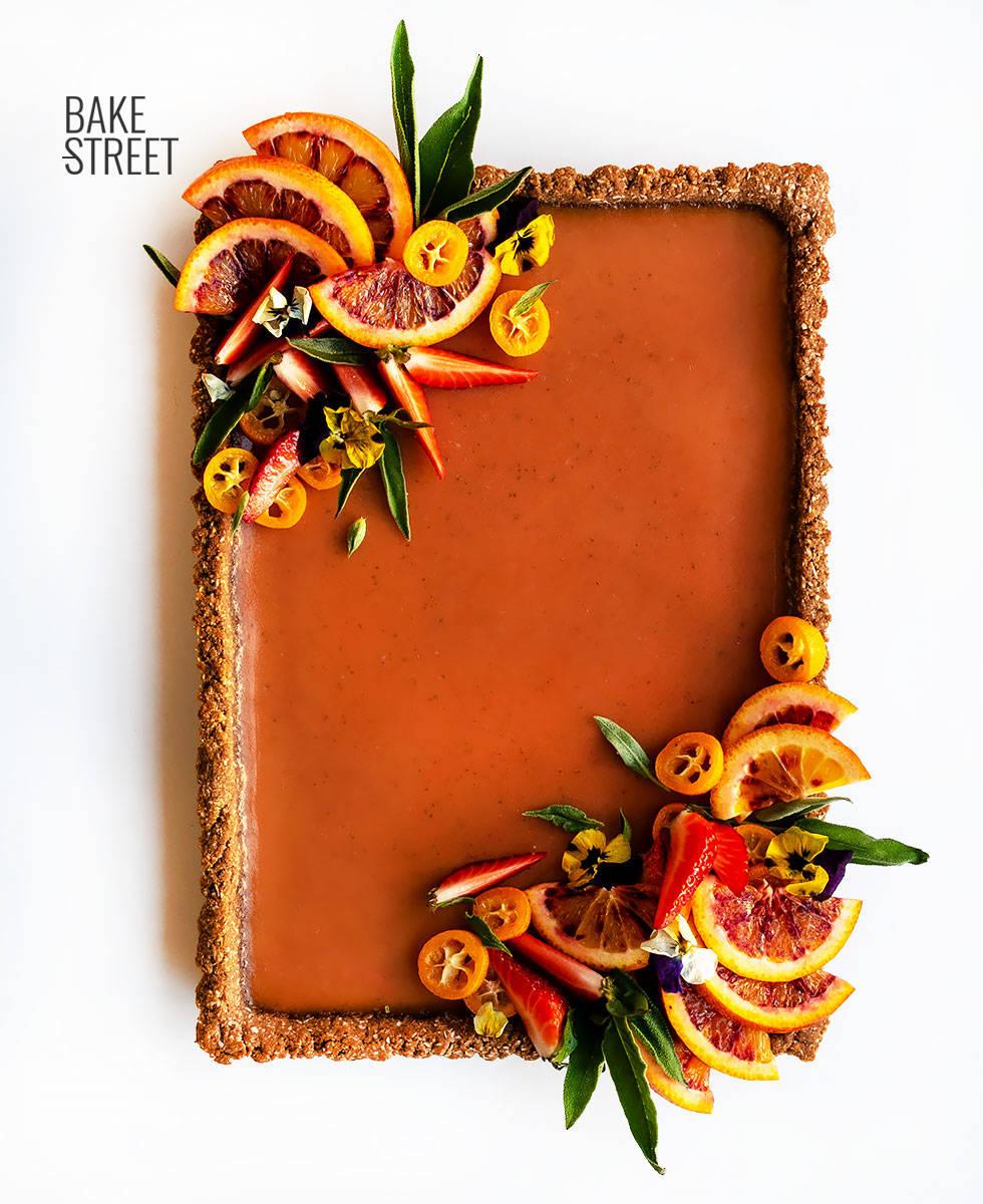 Tarta de naranja sanguina, salvia y tamarindo
