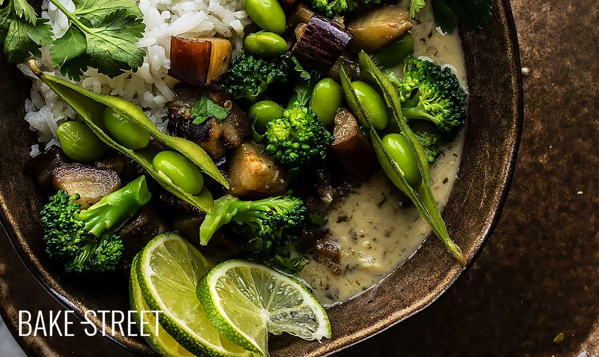 Curry verde vegano con arroz jazmín