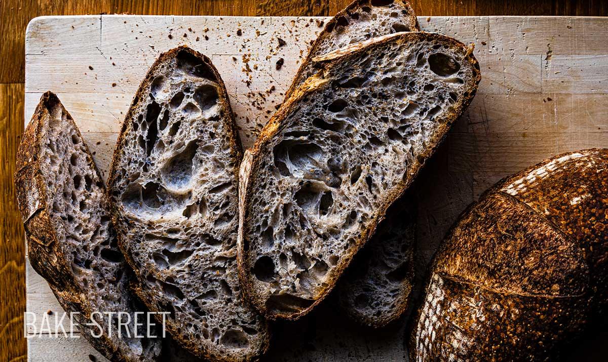 Cómo hacer una hogaza de pan con masa madre
