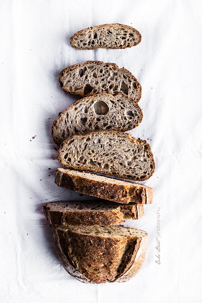 Pan de trigo y semillas